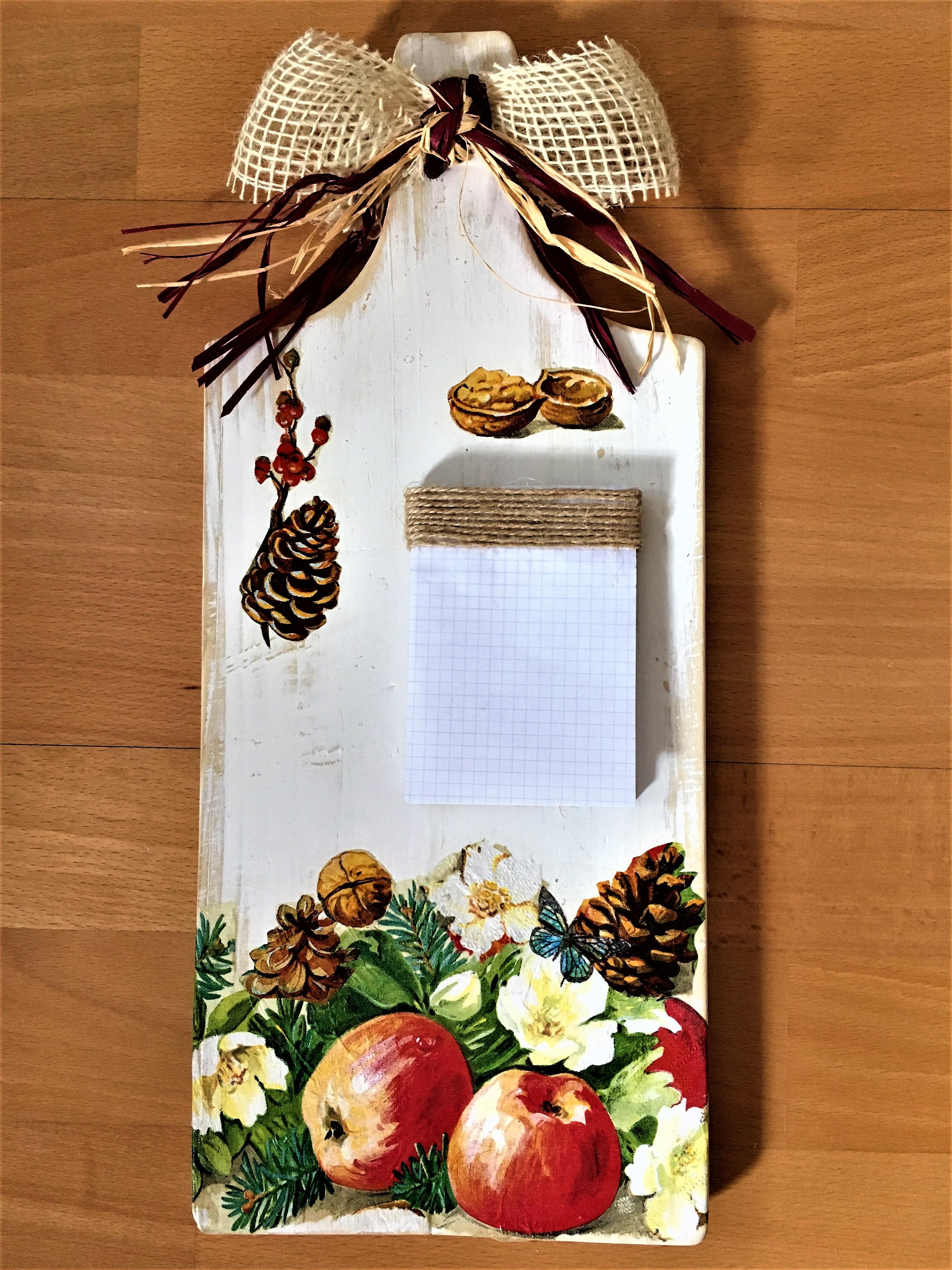 Tabla de madera decorada en mis manitas diy blog de - Decorar tabla madera ...